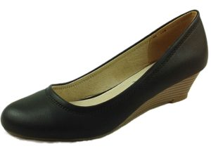 coconel-womens faux leather wedged heel court shoe black